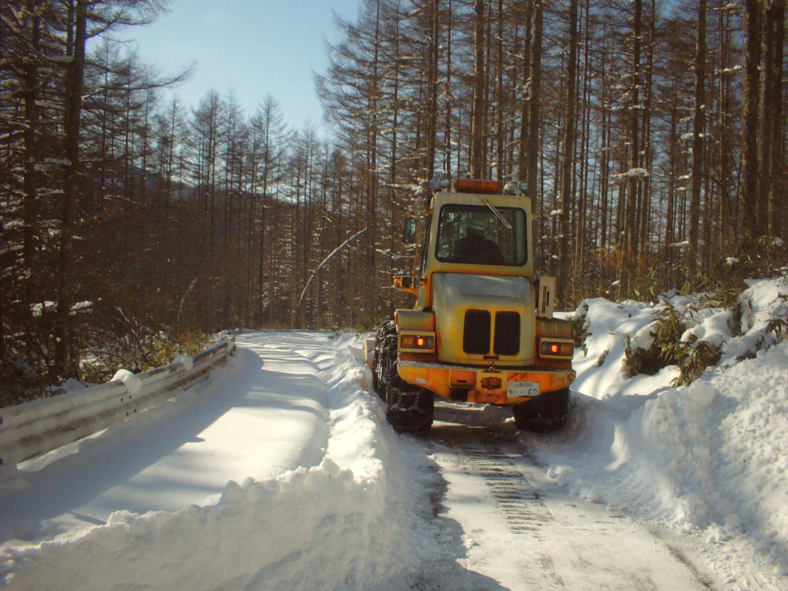 上日川ダム除雪